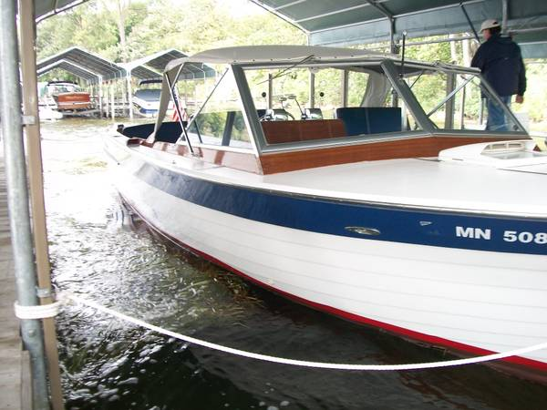 1966 Chris Craft 28′ Sea Skiff Sportsman -$21,500